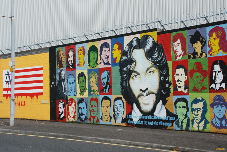 Murales del Muro Internacional. Falls Road. Belfast