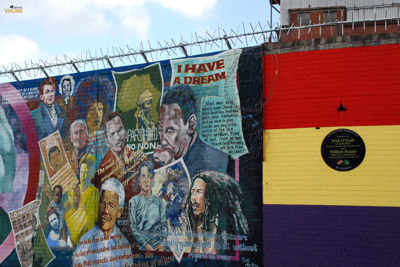 Muro Internacional. Falls Road. Belfast