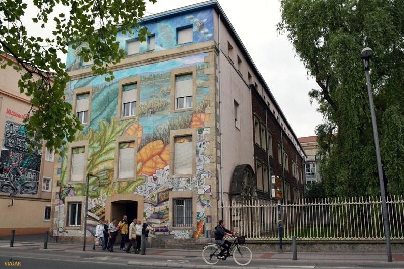 Qué haremos con lo que sabemos. Murales de Vitoria-Gasteiz