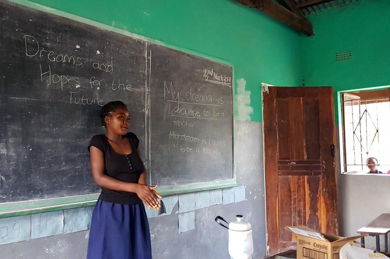 Club de Chicas de la escuela Yosefe. Zambia