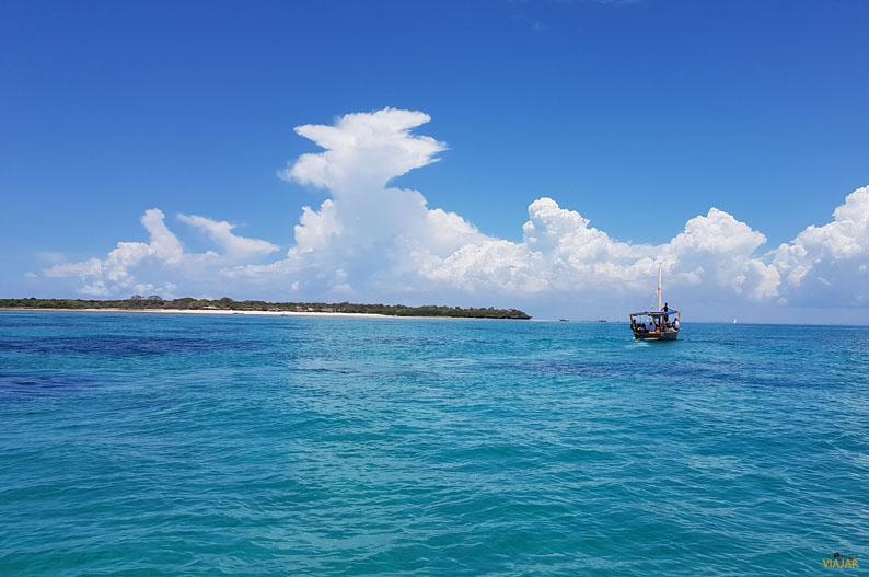 Navegando en un dhow. Safari Blue