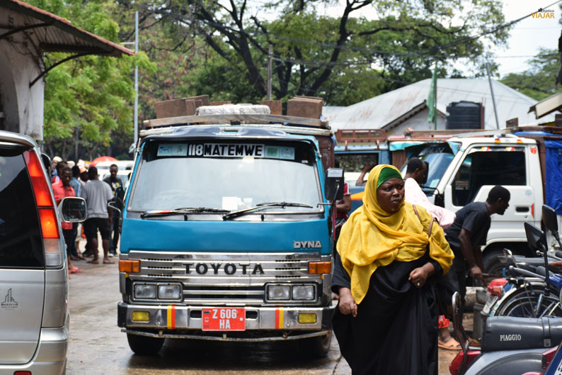Dalla-dalla. Viajar a Zanzibar