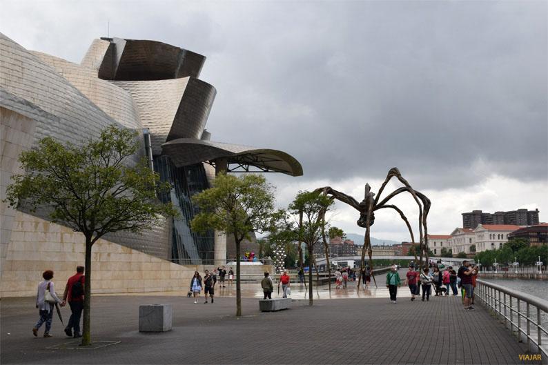Museo Guggenheim Bilbao, el gran emblema de la ciudad