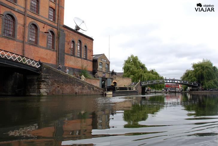 Hampstead Road Lock. Regent's Canal