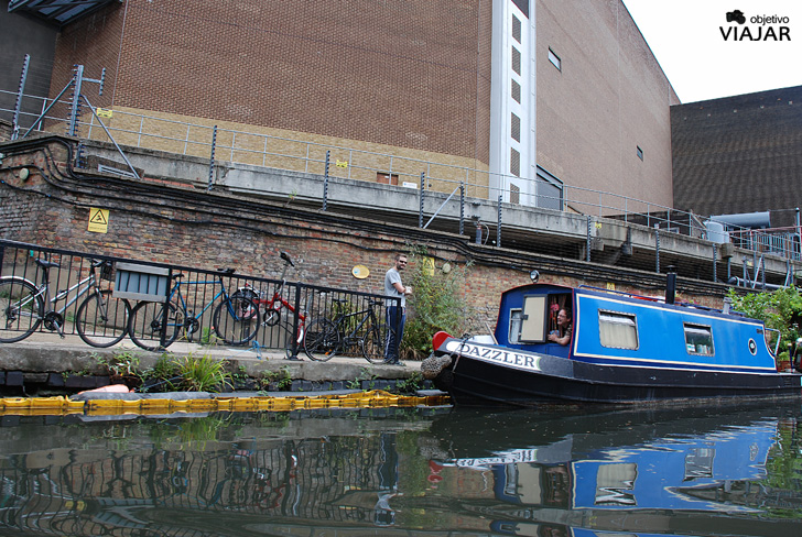 Narrowboat. Regent's Canal