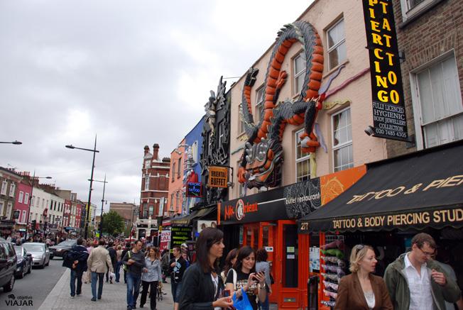 High Street.  Camden Town. Londres