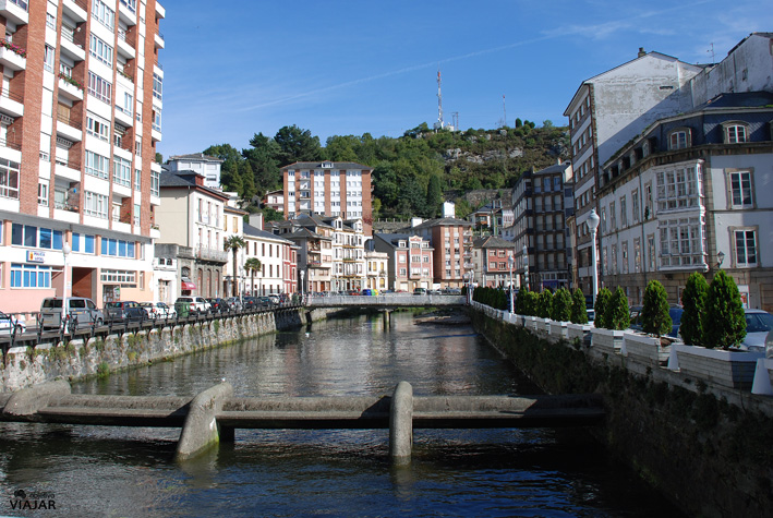 El río Negro a su paso por Luarca. Asturias