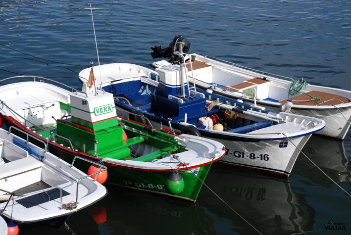 Estampa marinera en Puerto de Vega, Asturias.