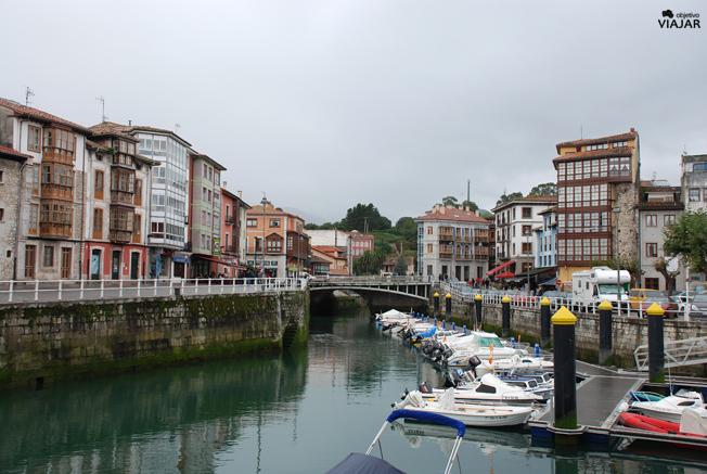 Puerto deportivo de Llanes. Asturias