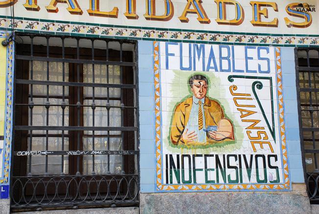 Azulejos de la farmacia Juanse. Malasaña