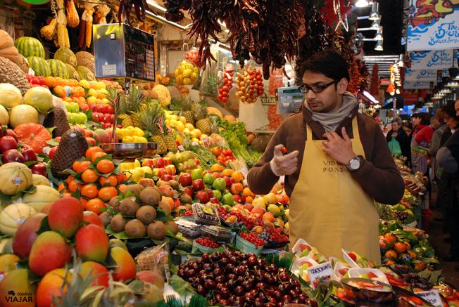 Puesto de frutas en el Mercado de la Boquería. Barcelona