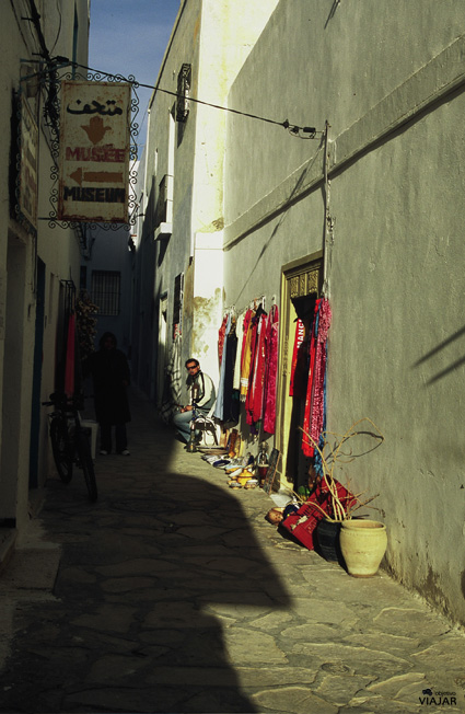 La tienda de los horrores. Medina de Hammamet. Circuito por Túnez