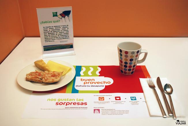 Desayunando en el Ibis Styles Madrid Prado