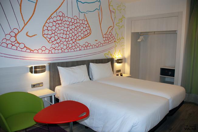 Habitación Lanzarote. Hotel Ibis Styles Madrid Prado