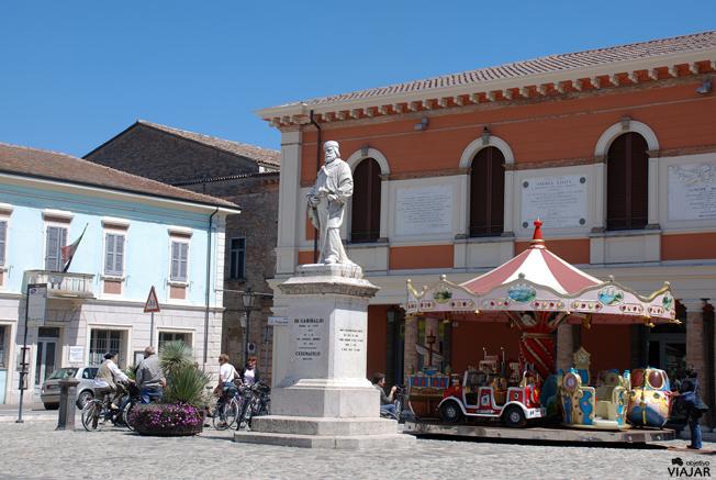 Piazza Carlo Pisacane. Cesenatico