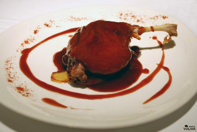Confit de pato al Oporto. Restaurante Yain. Teruel