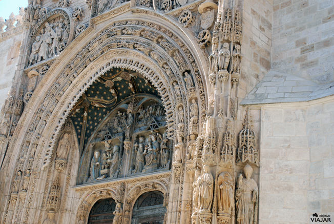 Detalle de la portada de la iglesia de Santa María la Real. Aranda de Duero. Burgos