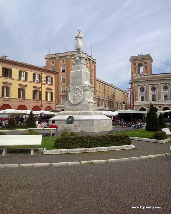 Plaza Aurelio Saffi, Forlì. Italia. Foto de Alessandra Catania