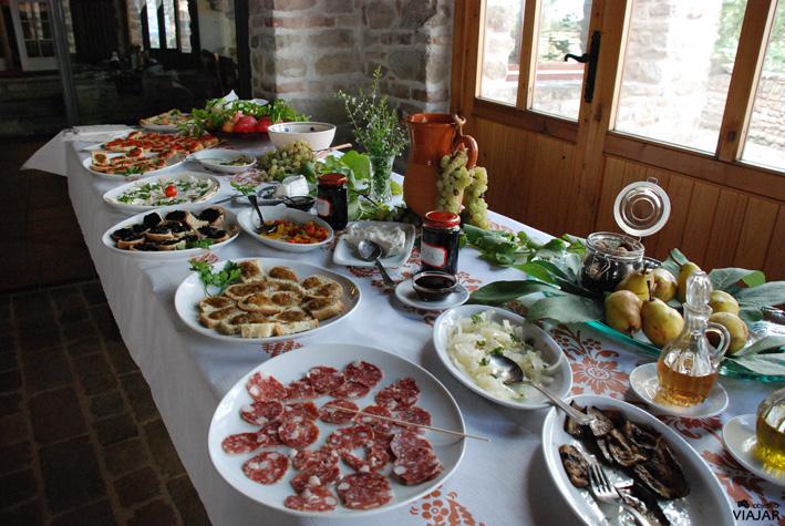 Comida en el agroturismo Castrum Sagliani. Cesena. Italia