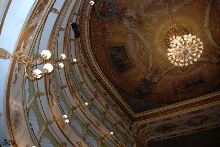 Interior del Teatro Alessandro Bonci. Cesena. Italia