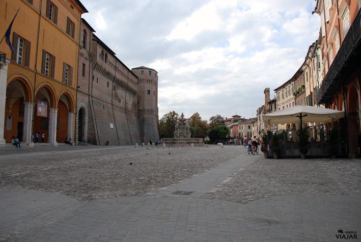 Piazza del Popolo. Cesena. Italia