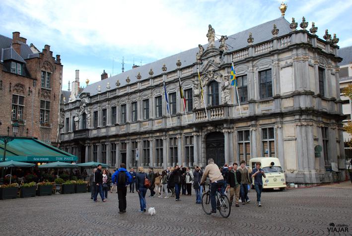 Proosdij (Palacio Episcopal) Plaza Burg. Brujas