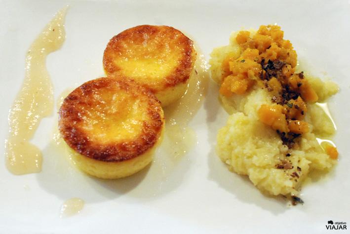 Tartaletas rellenas de queso di fossa. Trattoria Montepaolo. Dovadola. Italia