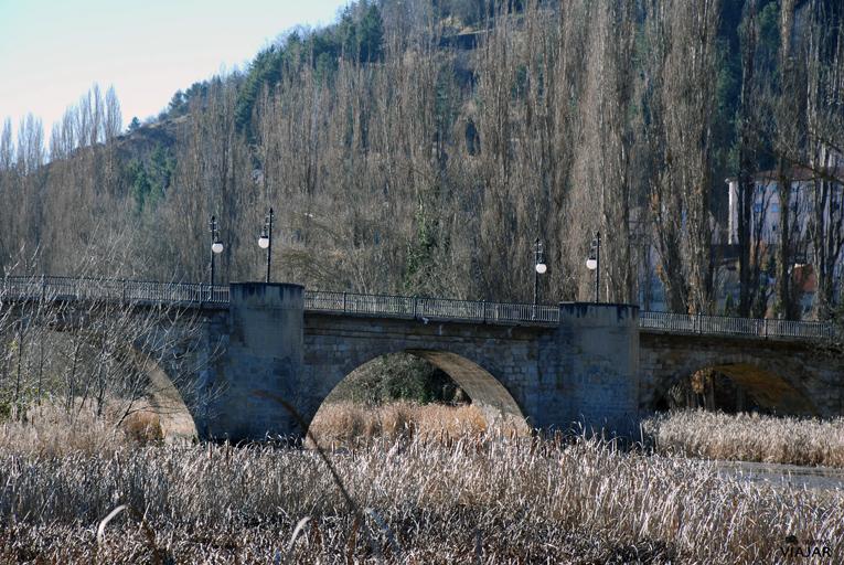 Puente medieval. Soria