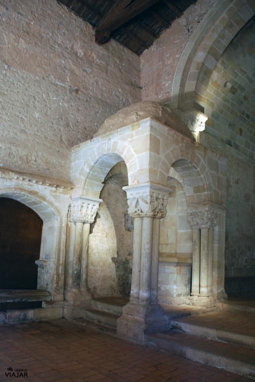 Templete con cúpula semiesférica. San Juan de Duero. Soria