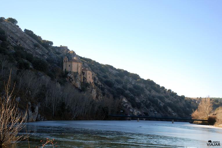 Vista de San Saturio desde el Duero. Soria