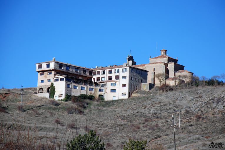 Vista del Hotel Leonor Mirón desde el río Duero. Soria