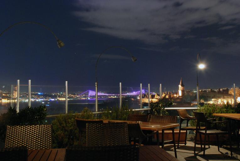 El Puente del Bósforo desde la terraza del hotel Adamar. Estambul