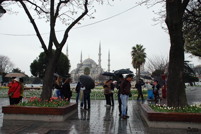 Plaza de Sultanahmet y Mezquita Azul. Estambul