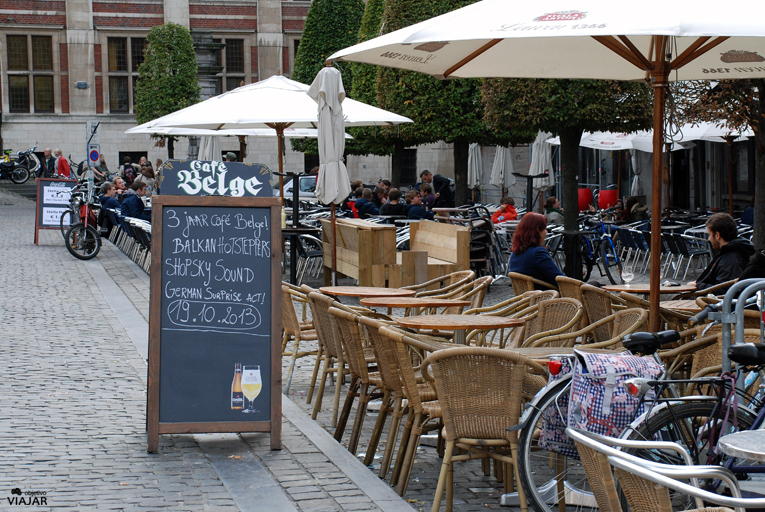 Terrazas de la Oude Markt. Lovaina