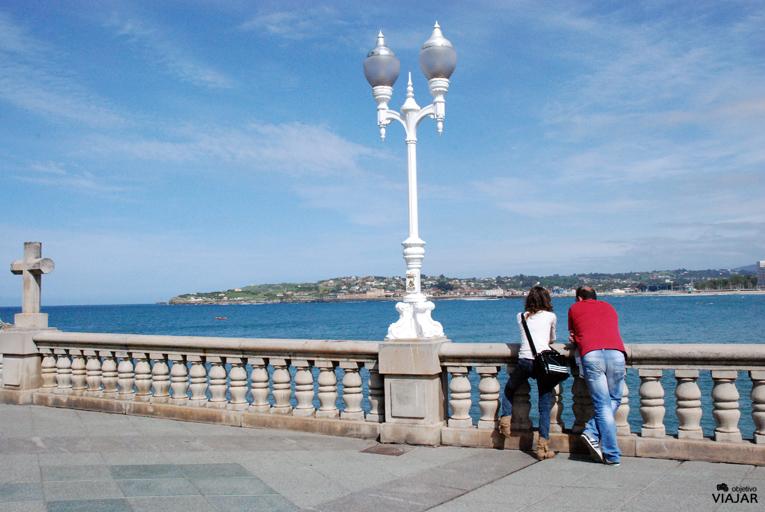 Contemplando el Cantábrico en Gijón