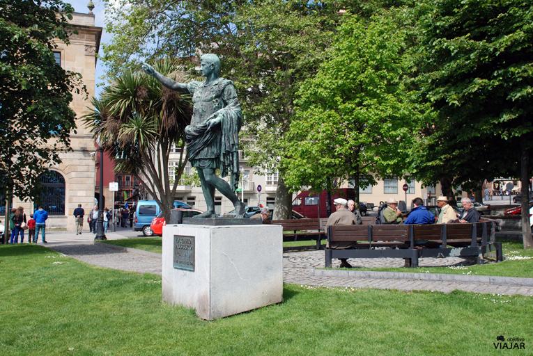 Monumento a Octavio Augusto. Plaza Campo Valdés. Gijón