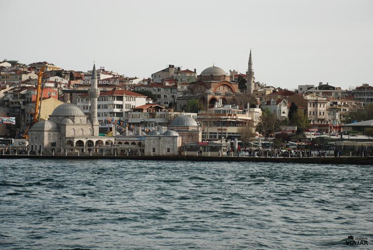 Vista de Üsküdar desde el ferry. Estambul