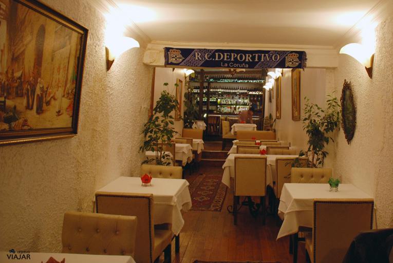 Interior del Restaurante Enjoyer. Estambul