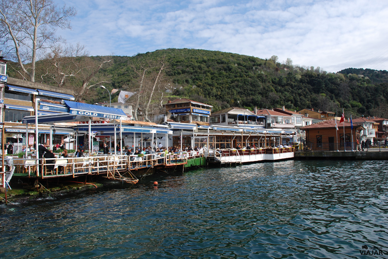 Restaurantes en primera línea de mar. Anadolu Kavaği