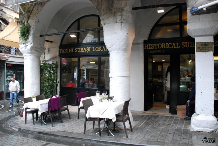 Tarihi Subaşı Lokantasi. Estambul