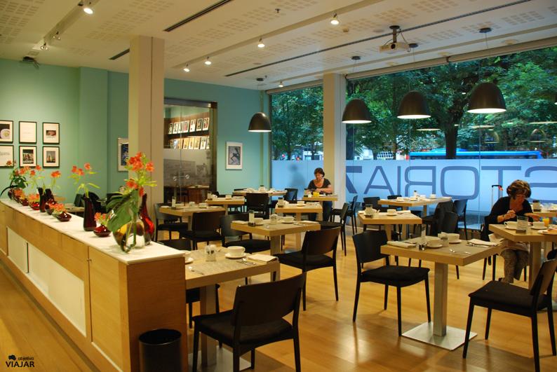 Desayunando en el Hotel Astoria7. Donostia