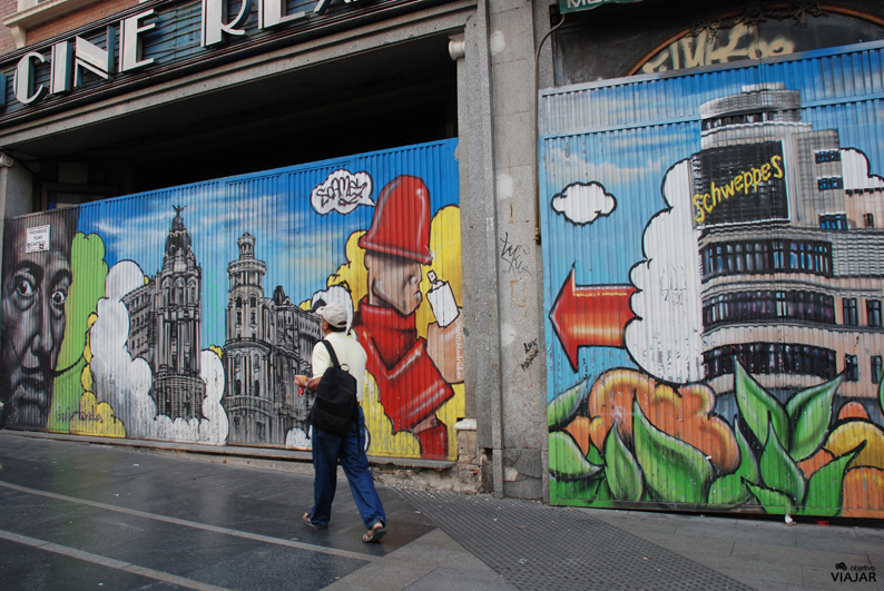 Graffitis en la Gran Vía. Madrid