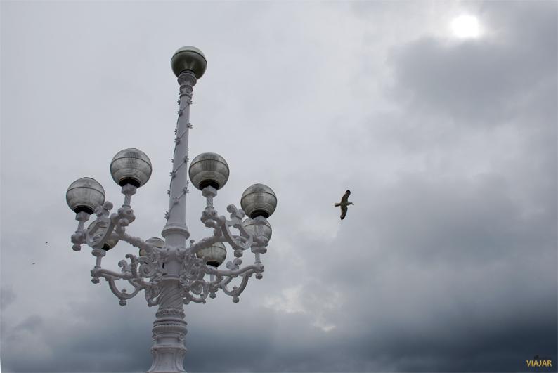 Farola del Paseo de la Concha. San Sebastián