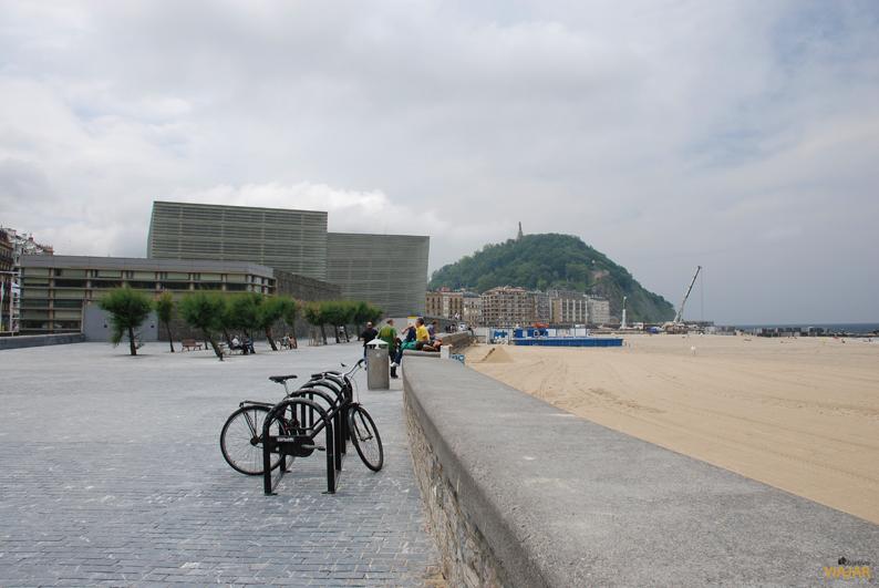 Kursaal y playa de Zurriola. San Sebastián