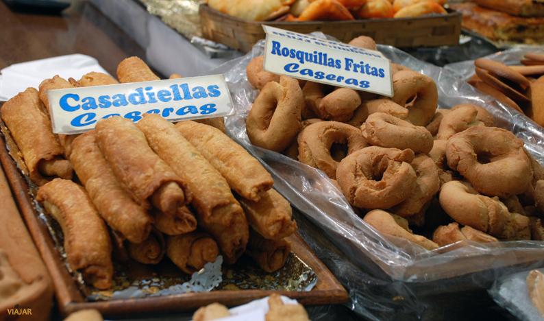 Casadiellas y rosquillas caseras. Mercado del Fontan. Oviedo
