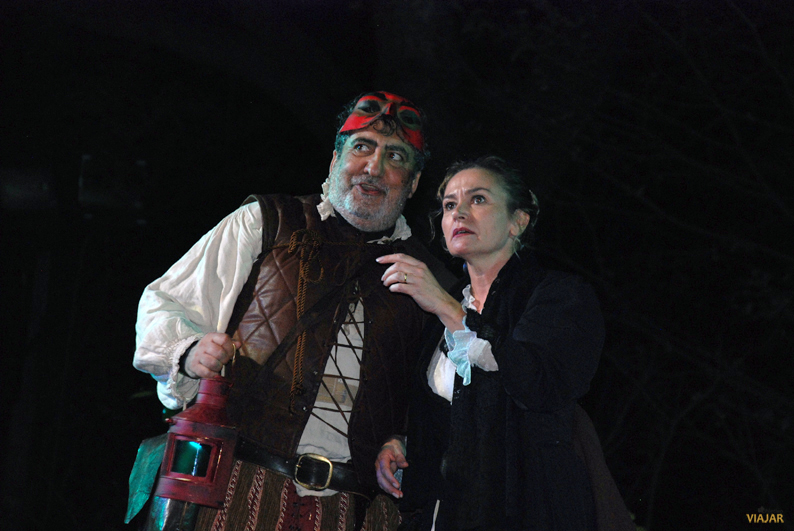 Javivi Gil Valle como Ciutti y Yolanda Arestegui como Brígida. Don Juan en Alcalá