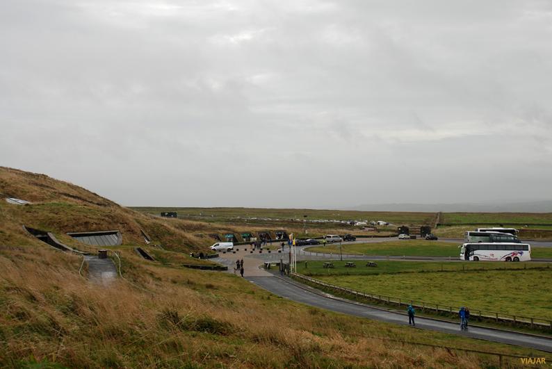Centro de visitantes y zona de aparcamiento. Acantilados de Moher