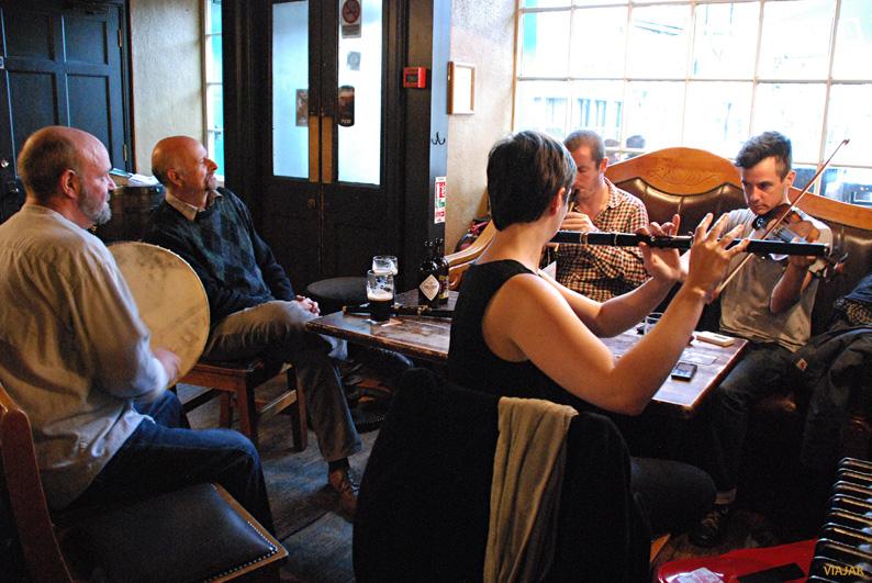 Música tradicional en McHugh's. Belfast