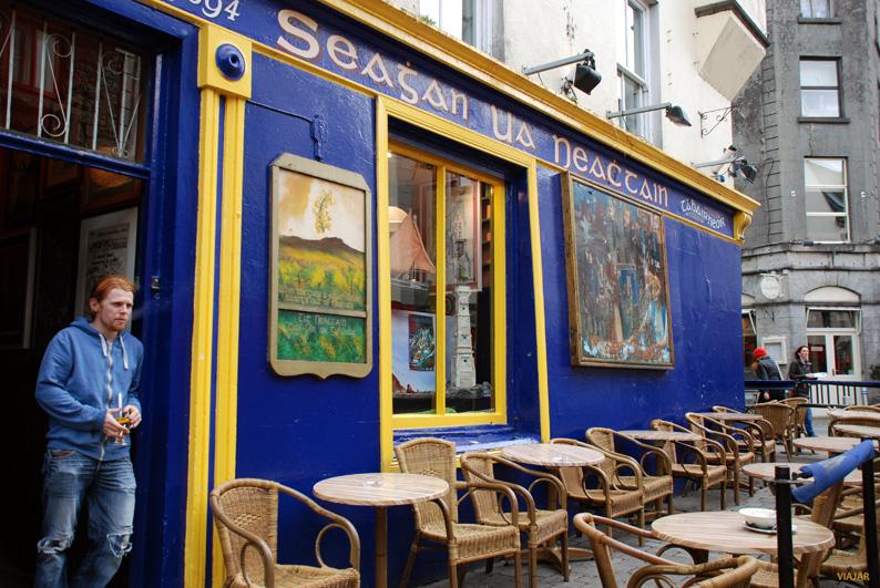 Pub Séhan Ua Neáchtain. Galway