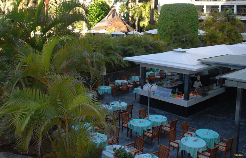 Terraza. Seaside Palm Beach